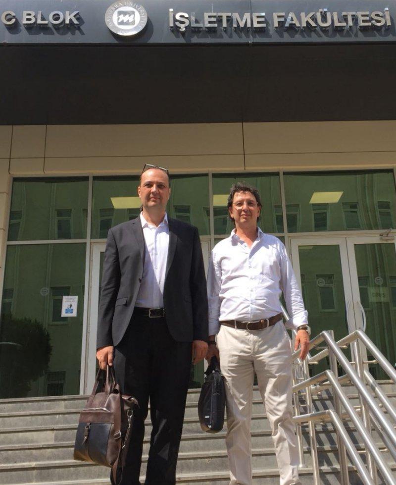 Üniversite – Sanayi İşbirliği çerçevesinde Marmara Üniversitesi İşletme Fakültesi, SİMFER şirketler grubu temsilcilerini konuk etti.