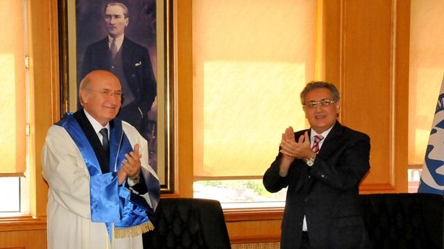 Üniversitemizde Rektörlük Devir Teslim Töreni Gerçekleştirildi
