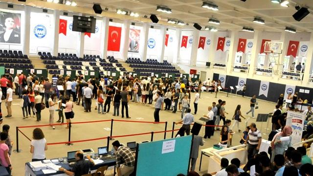 Marmara Üniversitesi 2014-2015 Eğitim-Öğretim Yılı Kayıtları Tamamlandı.