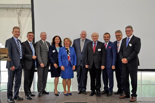 Rektörümüz Prof.Dr. M. Emin ARAT ve Rektör Yardımcımız Prof.Dr. Mehmet AKALIN, RWTH Aachen Üniversitesi'ne, Prof.Dr. Ernst M. Schmachtenberg'in davetlisi olarak ziyarette bulundu.