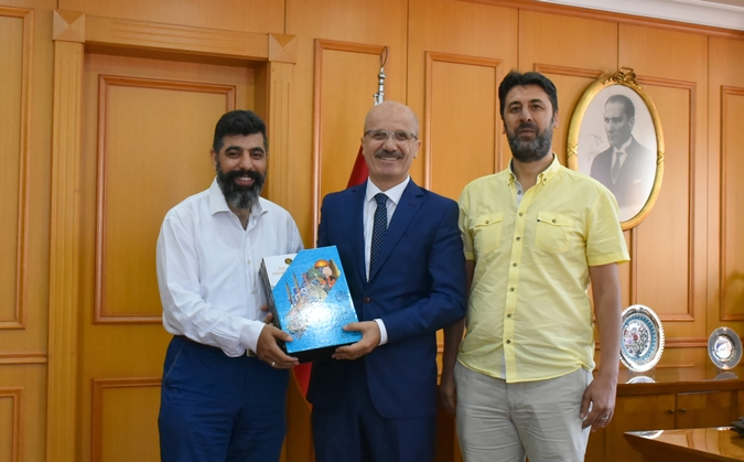 Principle Executive Board Chairman Assoc. Prof.Lütfi Sunar and Şehir University Department of Turkish Language Literature Assoc. Prof. Berat Açıl visited our Rector